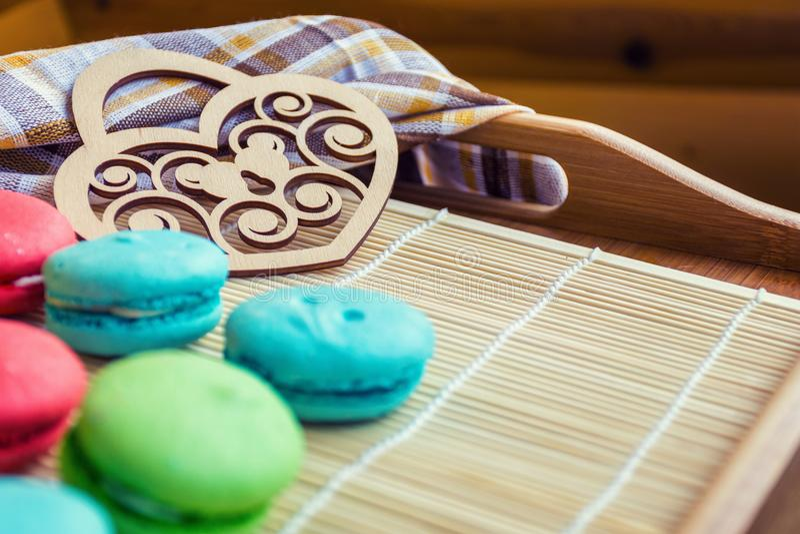 Francuscy słodcy delikatność macaroons, macarons lub zdjęcia stock