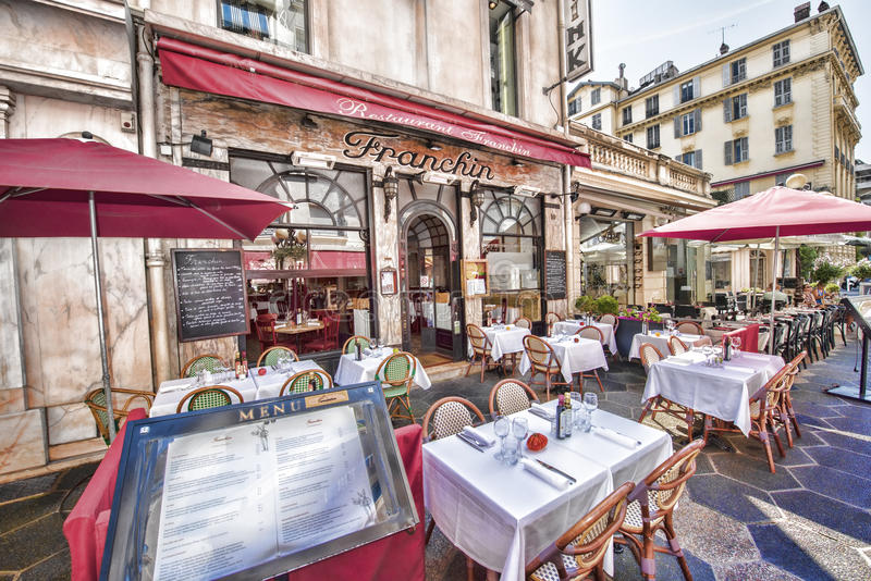Francuska restauracja, Vieux Ładny, Francja obraz royalty free