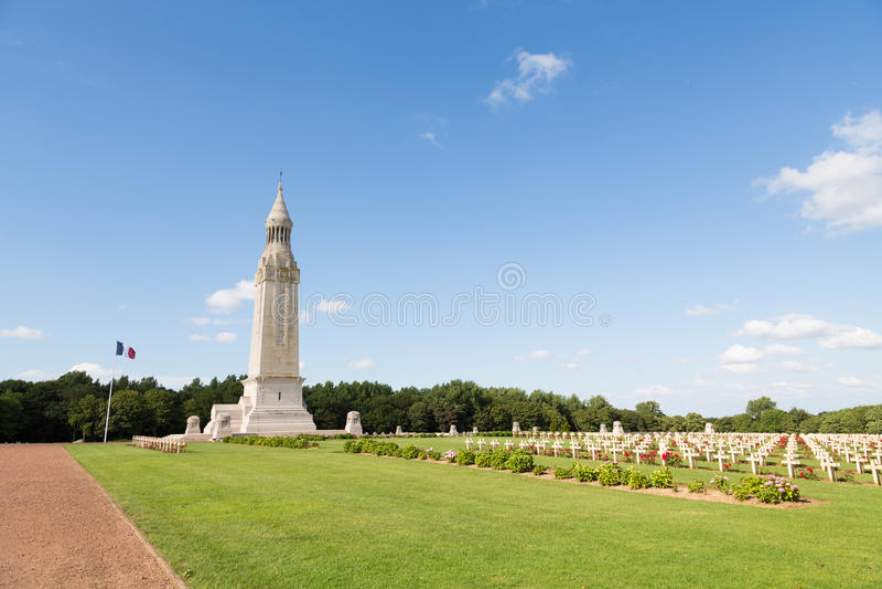 Francuski militarny cmentarz Notre Damae De Lorette obrazy stock