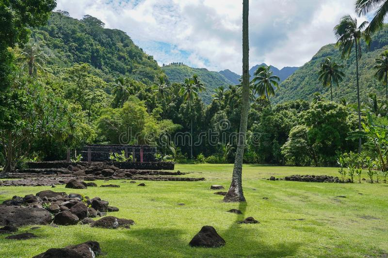 Download Francuskiego Polynesia Marae Arahurahu Tahiti Wyspa Zdjęcie Stock - Obraz złożonej z krajobraz, ocean: 106918402