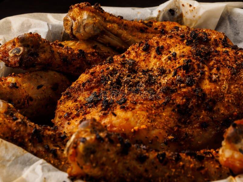 Frango assado enchido delicioso prato pronto do forno imagens de stock royalty free