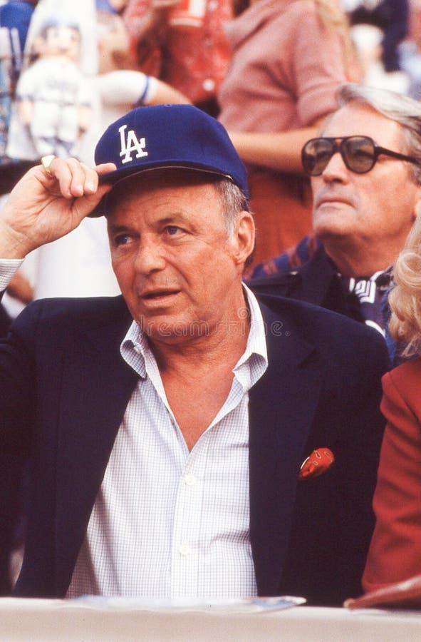 Frank Sinatra à un jeu de Dodgers photographie stock