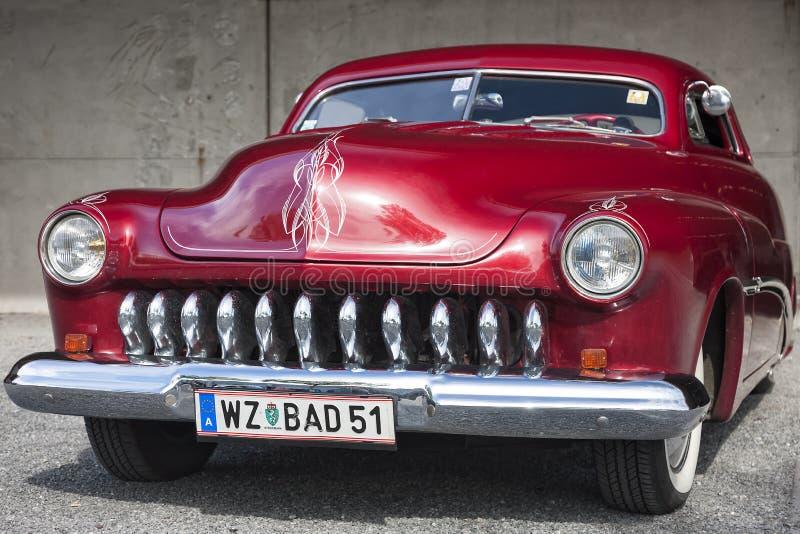 Franken, Alemanha, o 21 de junho de 2015: Detalhe dianteiro de Mercury Cou 1951 fotografia de stock royalty free