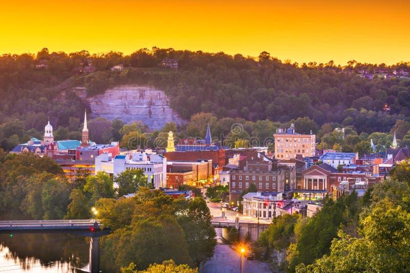 Frankfort, Kentucky, usa grodzki linia horyzontu na Kentucky rzece obrazy royalty free