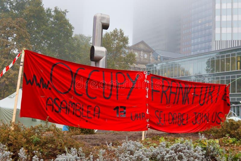 frankfurt занимает протесты стоковое изображение rf
