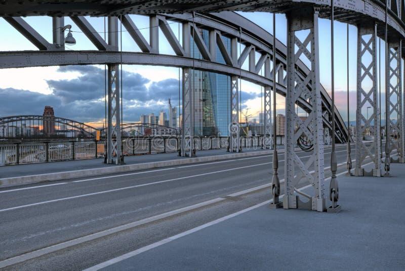 Frankfurt-Brücken stockfotos
