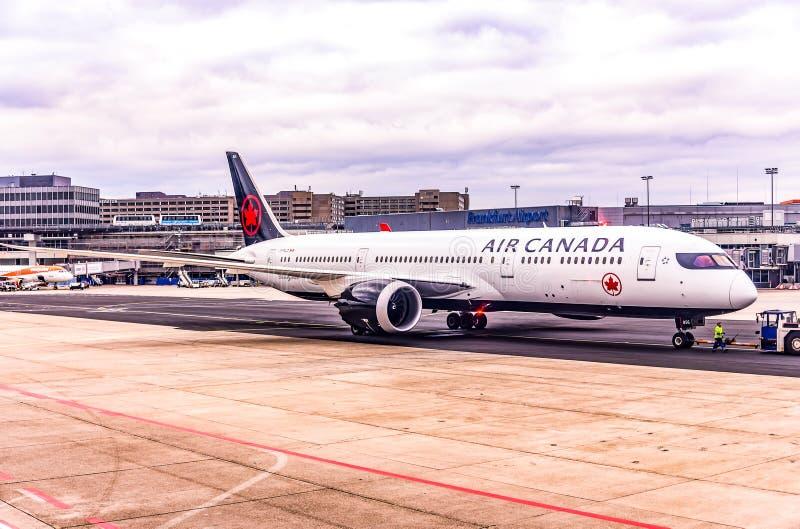 Frankfurt Duitsland, 23 02 2019 Air Canada-Luchtbus twin-engine straallijnvliegtuig die zich bij de luchthaven bevinden die op vl stock afbeelding