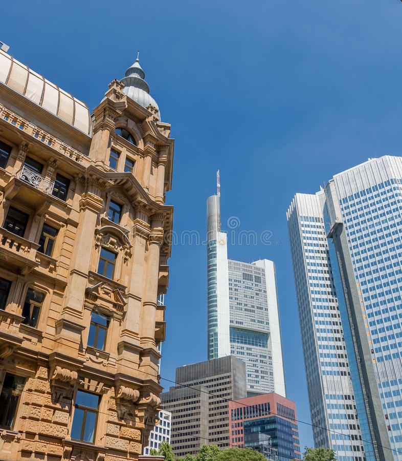 Frankfurt - f.m. - huvudsaklig Tyskland - finansiell mitt Commerzbank, ECB royaltyfri foto