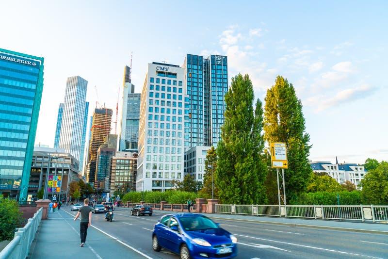 FRANKFURT - f.m. - strömförsörjning, TYSKLAND - SEPTEMBER 2, 2018: Frankfurt - f.m. - huvudsaklig horisont royaltyfri bild