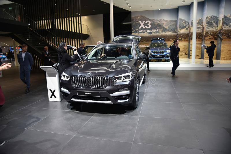 Франкфурт, Германия, 12-2017 сентября: BMW X3 на IAA 2017. Франкфурт, Германия, 12-2017 сентября: BMW X3 представлен на IAA 2017 стоковая фотография без роялти
