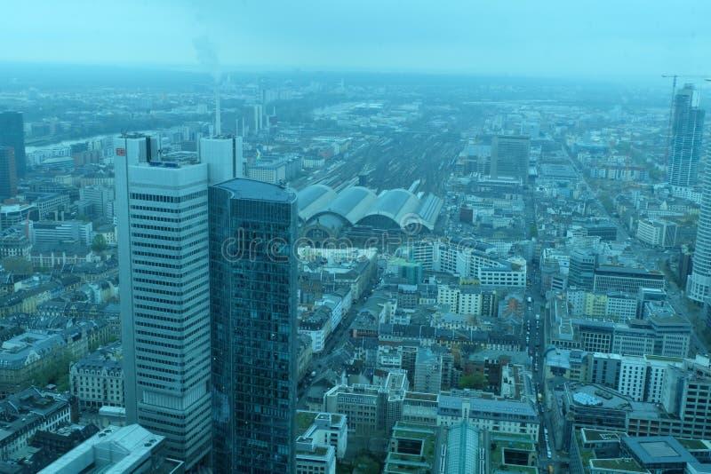 Frankfurt Globalny Pieni??ny Gromadzki linia horyzontu zdjęcie stock
