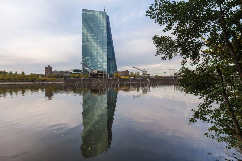Frankfurt, hesse/Duitsland - 11 10 18: de Europese Centrale Bankbouw in Frankfurt Duitsland royalty-vrije stock fotografie