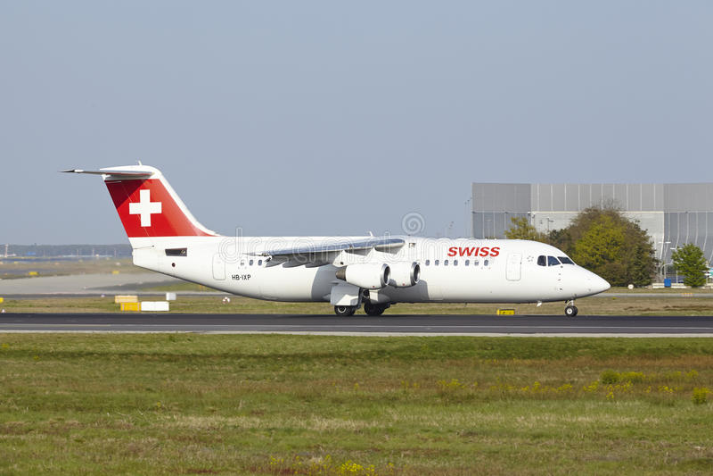 Frankfurt International Airport - Avro RJ100 of Swiss takes off royalty free stock images