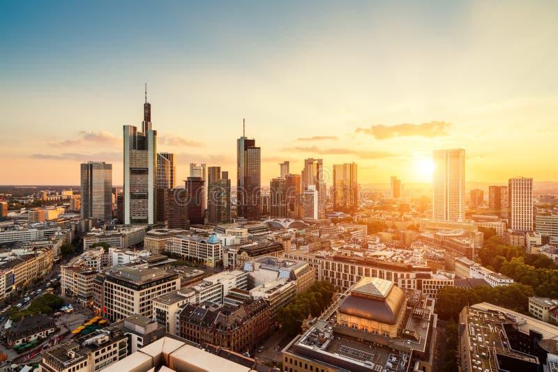 Download Frankfurt-am-Main redactionele afbeelding. Afbeelding bestaande uit frankfurt - 107702550