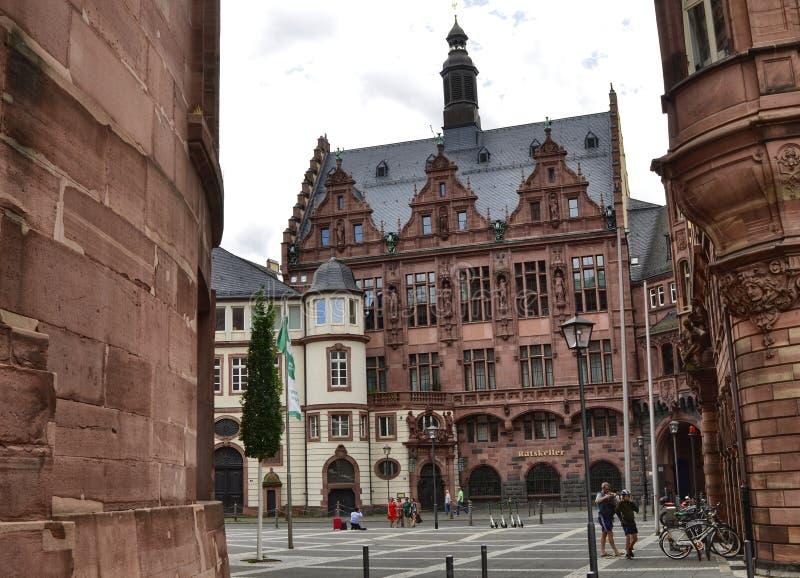 Frankfurt am Main, Duitse gebouwen over de Paulsplaz heen stock fotografie