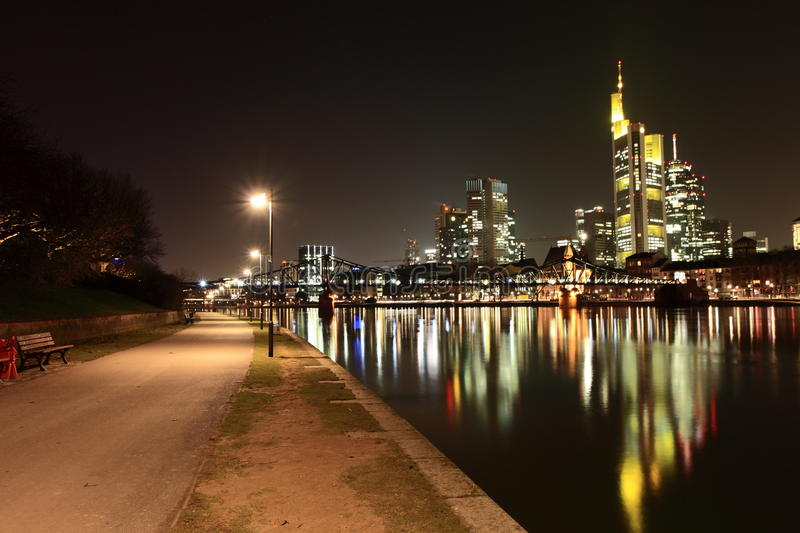 Frankfurt-am-Main - Flussufer stockbilder
