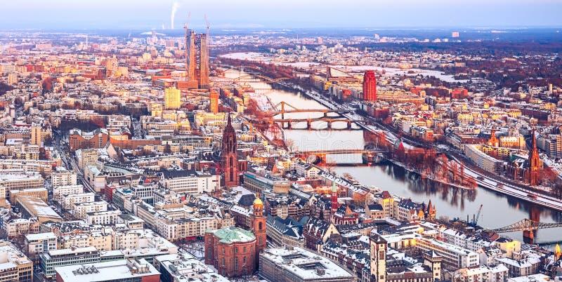 Frankfurt på vintern royaltyfri bild
