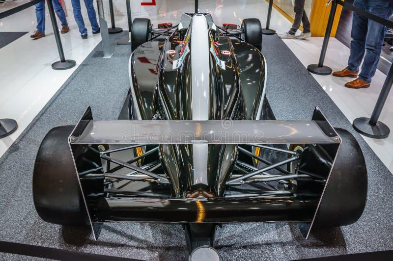 FRANKFURT - SEPT. 2015: ADAC-Formel vier F4 stellte sich an IAA Int dar lizenzfreies stockbild