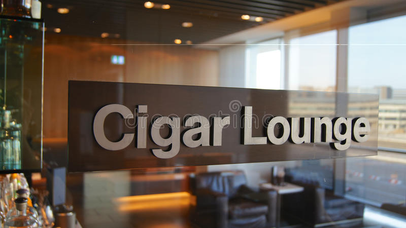 FRANKFURT - SEPTEMBER 2014: Sigarenzitkamer royalty-vrije stock afbeelding