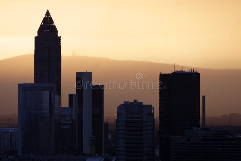 Frankfurt-Skyline lizenzfreie stockfotos