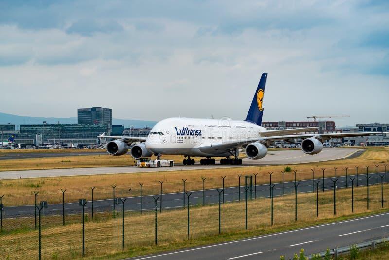 FRANKFURT TYSKLAND: JUNI 23, 2017: Flygbuss A380 LUFTHANSA royaltyfri fotografi