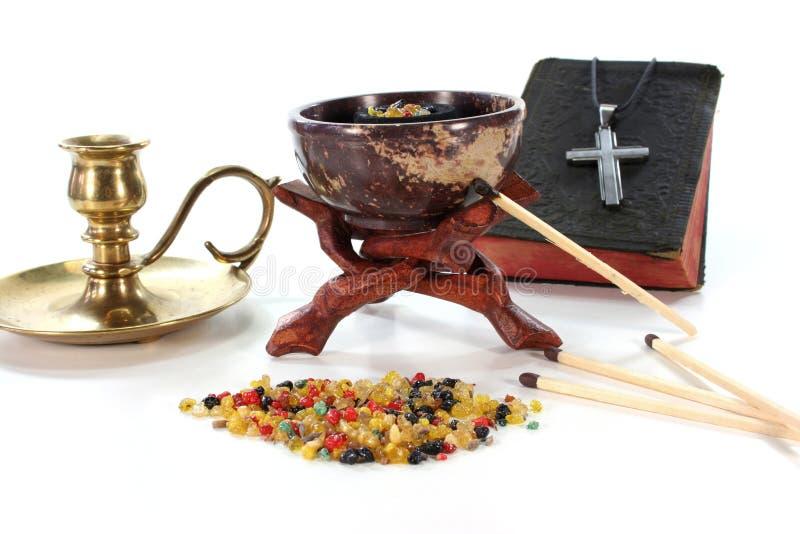 Frankincense colorido com censer do incenso imagem de stock royalty free