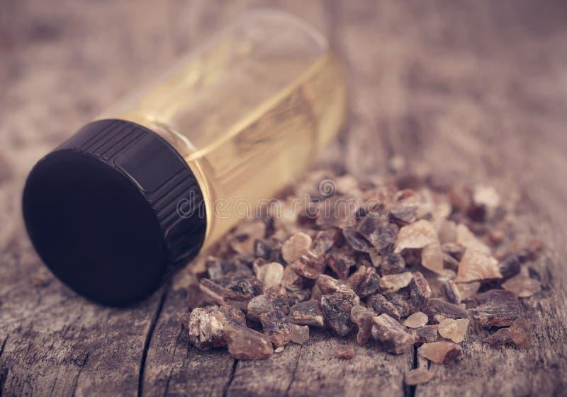 Frankincense dhoop με το ουσιαστικό πετρέλαιο στοκ φωτογραφίες με δικαίωμα ελεύθερης χρήσης