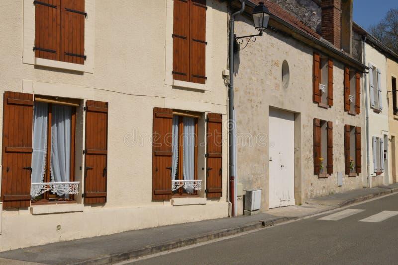 Frankreich, das malerische Dorf von Holzkohlen lizenzfreie stockbilder