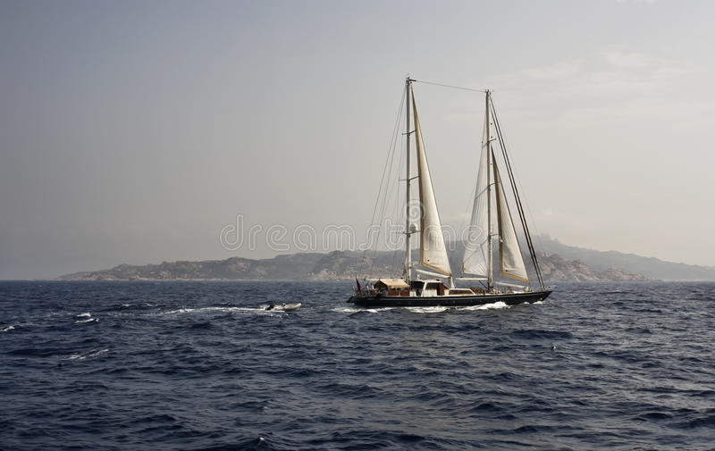 Frankreich, Korsika, Segelnboot, ketch lizenzfreies stockfoto
