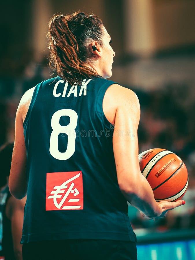 Frankrike basketspelare, Helena Ciak, under kvinnors basketvärldscupen 2018 royaltyfri fotografi