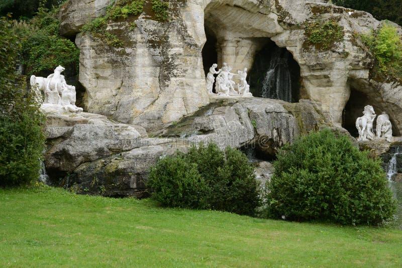 Frankrike den Apollo Baths dungen i den Versailles slotten parkerar royaltyfri foto