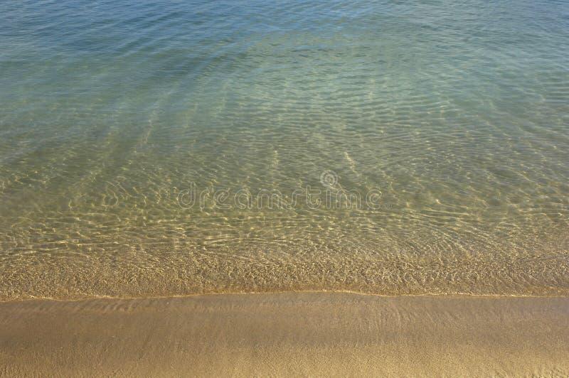 Frankrike Martinique, saltdam sätter på land i Sainte Anne arkivbilder