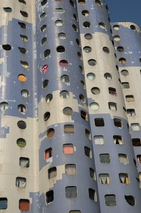 Frankrike modern byggnad i det Pablo Picasso området av Nanterr arkivfoto