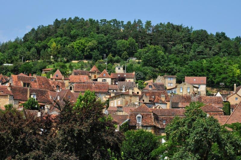 Frankrike pittoresk by av Saint Cyprien arkivbild