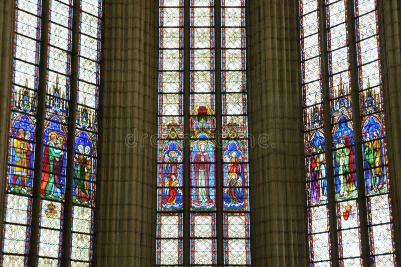 Frankrike pittoresk kyrka av Chambly i Picardie royaltyfri fotografi