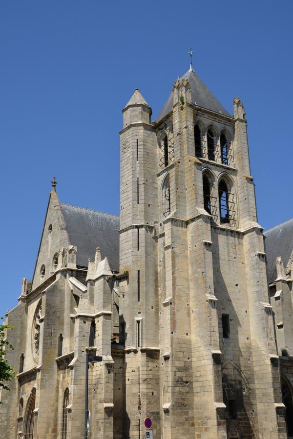 Frankrike pittoresk kyrka av Chambly i Picardie royaltyfri foto