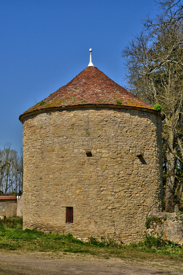 Frankrike pittoresk slott av Chevenon i Nievre arkivfoto