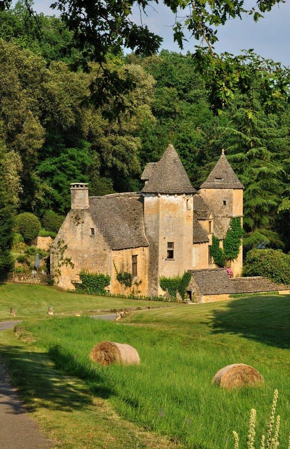 Frankrike pittoresk slott av Cipières i helgonet Crepin arkivfoton