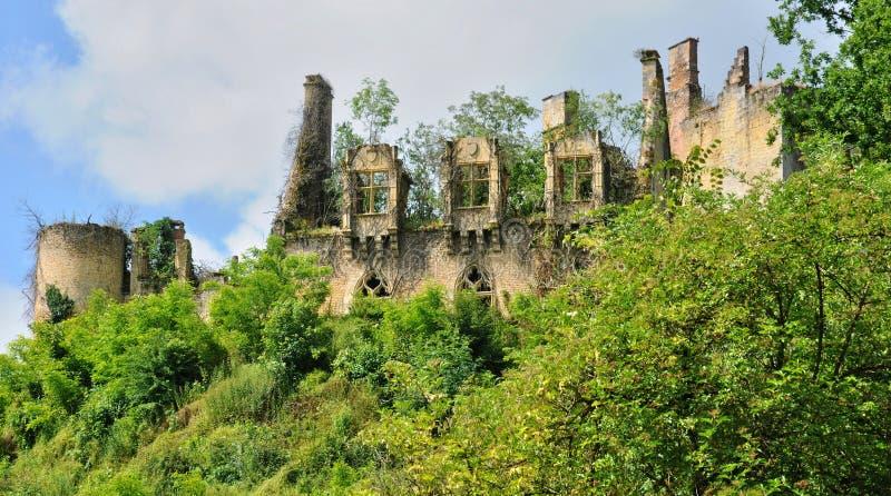 Frankrike pittoresk slott av helgonet Vincent le Paluel royaltyfri fotografi