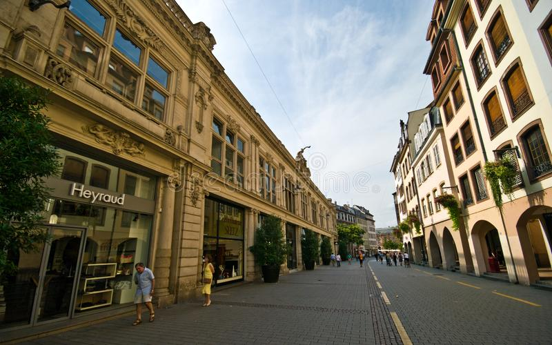 Frankrike Strasborg stads- arkitektur i sommar royaltyfri fotografi