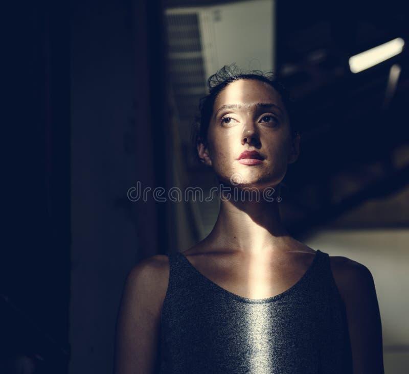 Frankt av trött caucasian kvinna arkivfoto