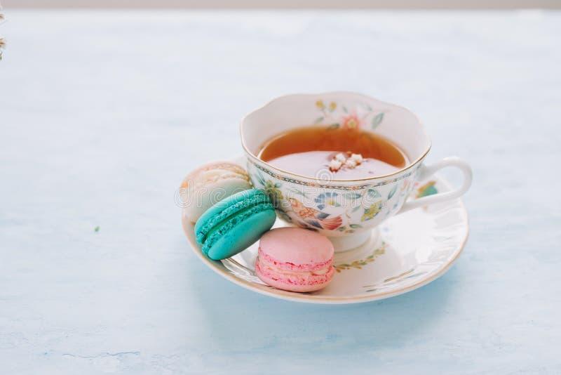 Frans dessert voor gediend met middagthee of koffiepauze stock fotografie