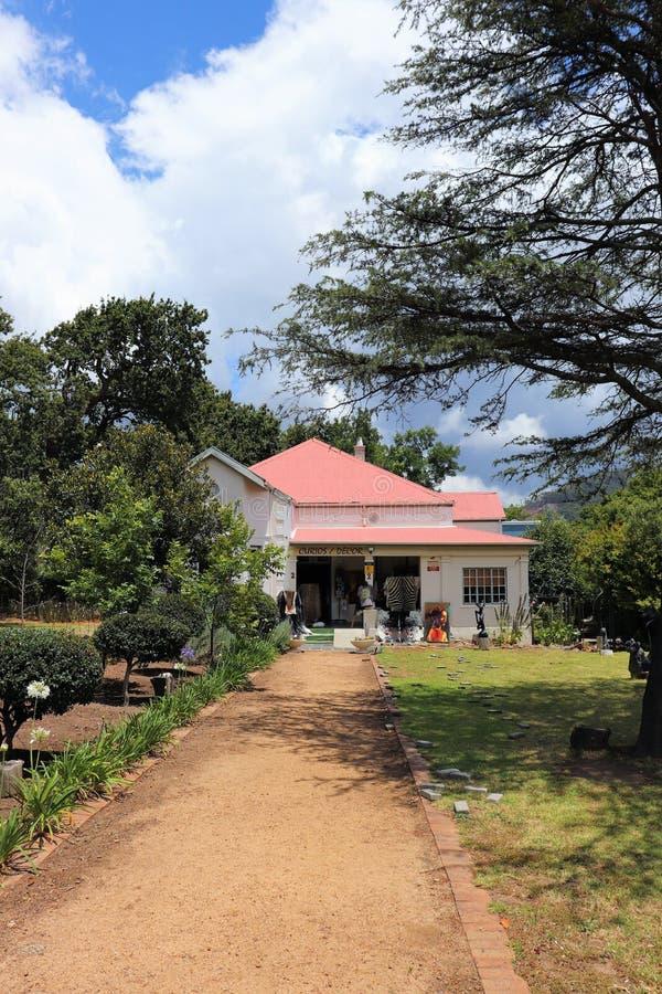 Franschhoek is een comfortabele kleine stad in de wijndistrict van Zuid-Afrika stock fotografie