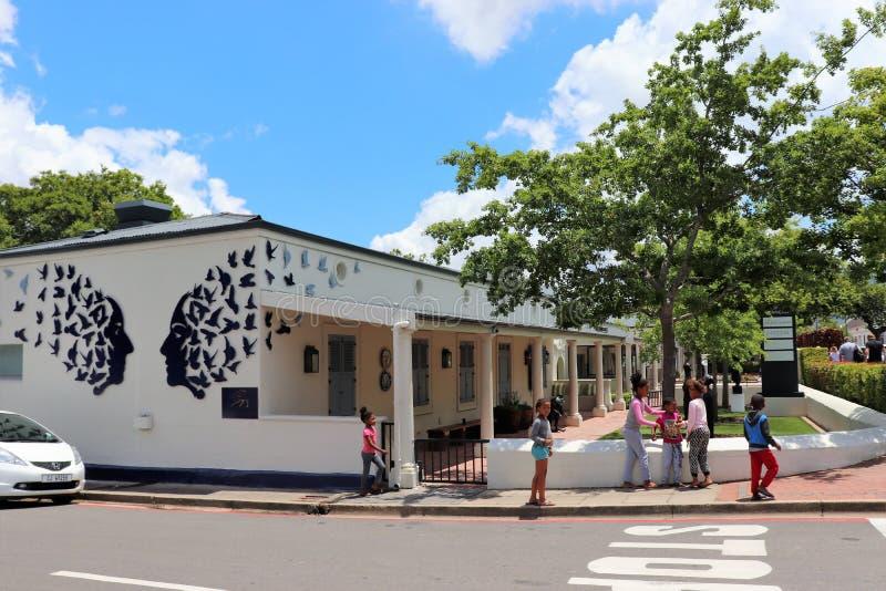 Franschhoek is een comfortabele kleine stad in de wijndistrict van Zuid-Afrika stock foto