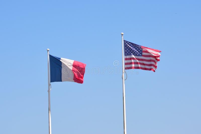 Franse en Amerikaanse vlaggen stock afbeeldingen