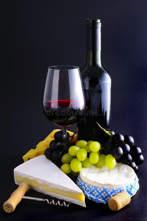 Franse kaas en wijn royalty-vrije stock afbeelding