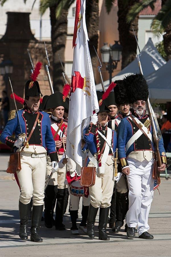 Franse militairen die in de herdenking van de slag van Bailen marcheren royalty-vrije stock afbeeldingen