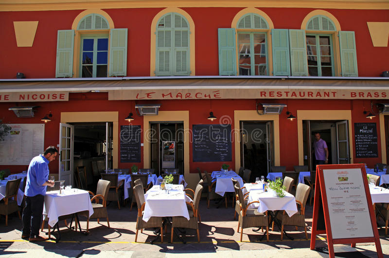 Franse restaurants op Cours Saleya, Nice, Frankrijk stock fotografie