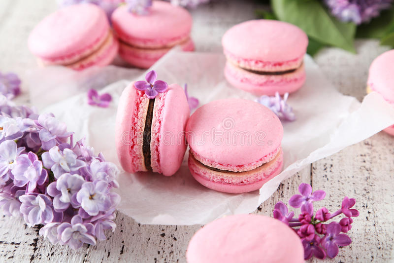 Franse roze macarons stock foto