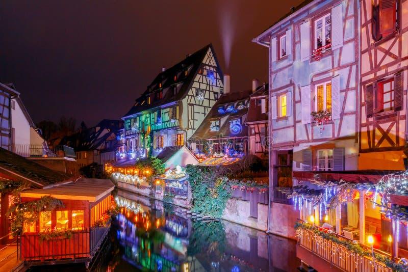 Franse stad Colmar op Kerstavond royalty-vrije stock fotografie